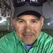 Jeffery McDonough из Беверли-Хиллз желает познакомиться с тобой