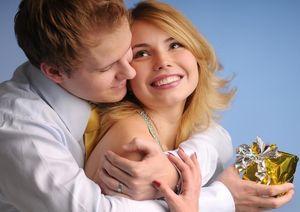 Мифы о любви, в которые мы верим, когда нам 20