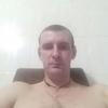 Олег, 20, г.Сватово