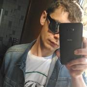 Олег, 28, г.Азов