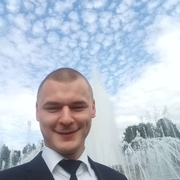 Максим, 25, г.Сланцы
