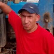Олег, 31, г.Сюмси