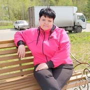 Юлия, 41, г.Северск
