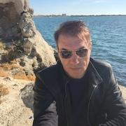 Олег, 46, г.Ленино