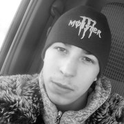 Евгений, 25, г.Урень