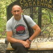 Юрий, 50, г.Антрацит