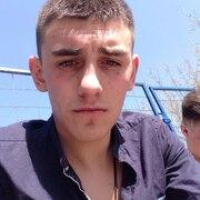 александр, 24, г.Городовиковск