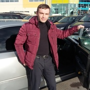 Юрий, 40, г.Санкт-Петербург
