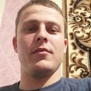 Максим, 25, г.Миллерово