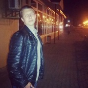 Артем, 23, г.Сланцы