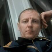 Николай, 42, г.Волхов