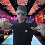 Денис, 28, г.Котово