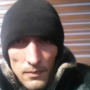 денис, 32, г.Ильский